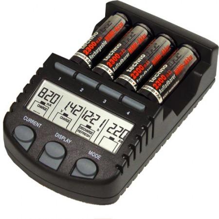 BC-700 Akkumulátor töltő